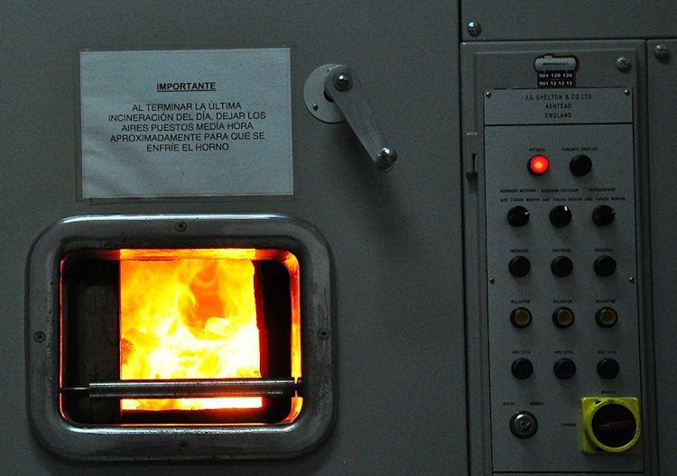 horno cremación de cuerpo